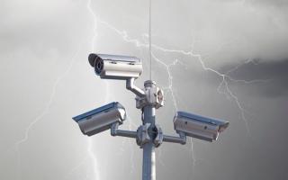 Грозозащита и молниезащита для камер видеонаблюдения: 3 способа защиты